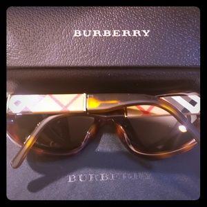 Burberry glasses new